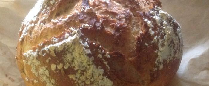 Dinkel-Weizenbrot mit Haferflocken