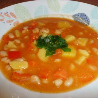 Wie serbische Bohnensuppe