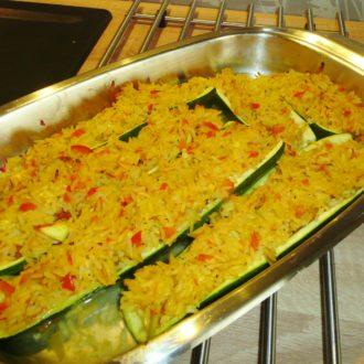 Gefüllte Zucchini