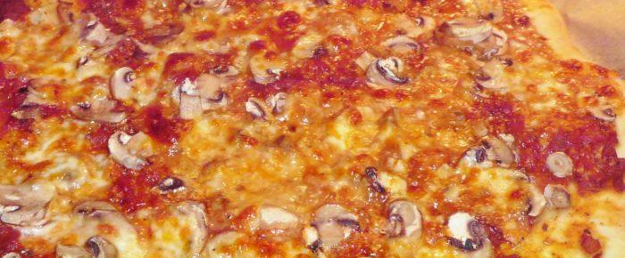 Einfache Pizza