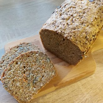 Einfaches Möhren-Dinkel-Brot
